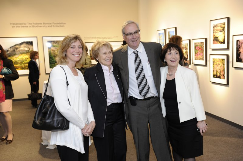Dr Roberta Bondar with Laura Tipple, Doug Tipple, Christine Yankou
